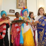 parade-of-gods-and-goddesses-at-hindu-mandir